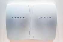 Tesla Powerwall: A powerful energy storage product (batteries included)