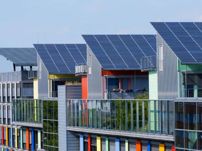 Solar Panels: Higher Efficiency At A Lower Cost
